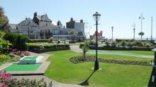 Seafront mini Crazy Golf